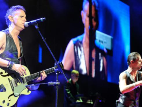 Depeche Mode homenajeó a David Bowie con cover de 'Heroes'