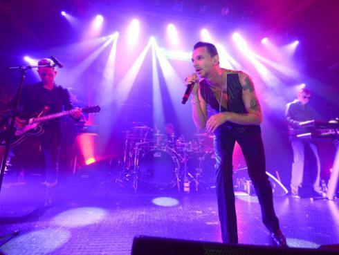 ¡Depeche Mode quiere que sus fans administren su página de Facebook! [VIDEO]