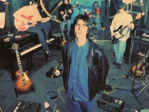 Efemérides: hace 25 años Oasis lanzaba 'Supersonic', primer single de la banda