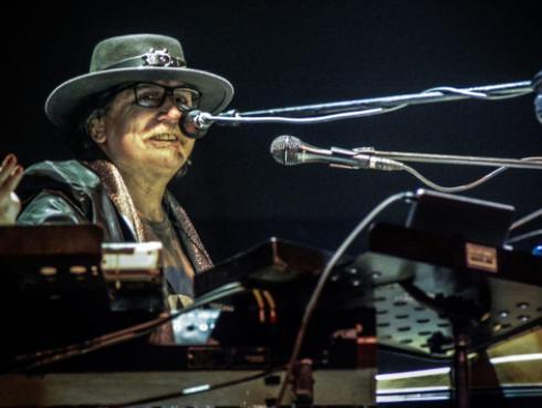 El álbum 'Cómo conseguir chicas' de Charly García cumple 30 años