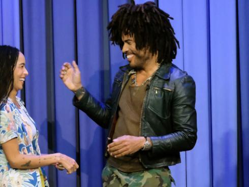 Lenny Kravitz y su hija Zoe jugaron charadas con Jimmy Fallon [VIDEO]