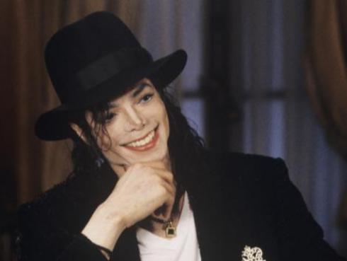 El hijo menor de Michael Jackson celebra sus 18 años comprándose una mansión