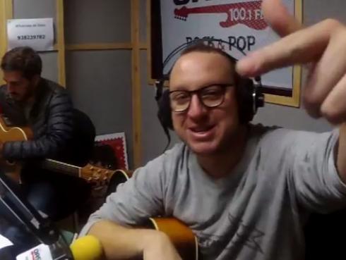 #Fogatera: El Marshall y Piccini interpretaron 'Zoom', de Soda Stereo
