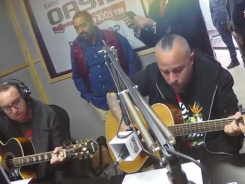 #Fogatera: El Marshall y Michael Spitzer interpretaron 'Cuando pienses en volver', de Pedro Suárez-Vértiz