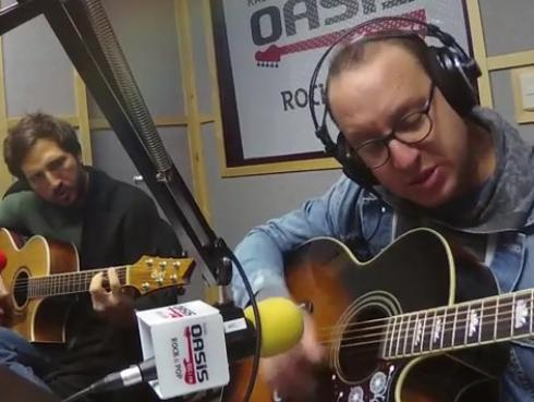#Fogatera: El Marshall y Piccini interpretaron 'Easy', de The Commodores