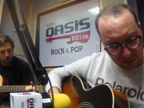 #Fogatera: El Marshall y Piccini interpretaron 'Té para tres', de Soda Stereo