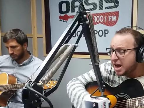 #Fogatera: El Marshall y Piccini interpretaron 'Imagine', de John Lennon