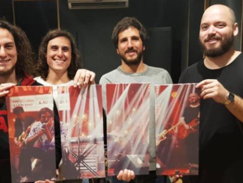 #Fogatera: Autobús interpretó su tema 'Cuerpos de Luz' [VIDEO]