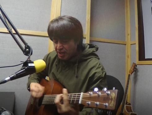 #Fogateras: Toño Jáuregui interpretó sus temas 'Ya verás' y 'Existir', de su nuevo álbum 'Creciente'