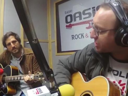 #Fogatera: El Marshall y Piccini interpretaron 'La Muralla Verde', de los Enanitos Verdes