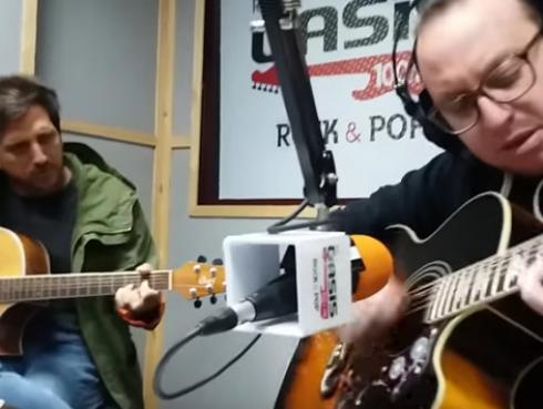 #Fogatera: El Marshall y Piccini interpretaron 'Crazy Little Thing Called Love', de Queen