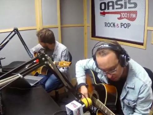 #Fogatera: El Marshall y Piccini interpretaron 'Pupilas Lejanas', de Los Pericos