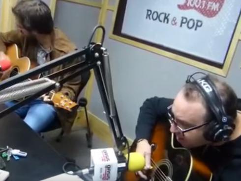 #Fogatera: El Marshall y Piccini interpretaron 'Eres', de Café Tacuba