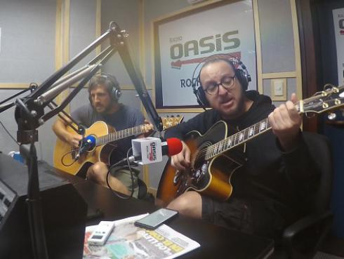 El Marshall y Piccini interpretaron 'Don't let me down', de The Beatles