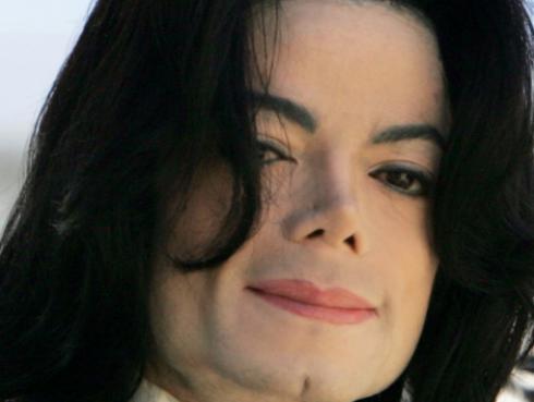 El hijo menor de Michael Jackson reaparece en público y así luce [FOTO]