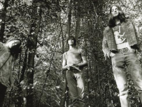 El rapero Kanye West convirtió clásicos temas de Nirvana en canciones gospel