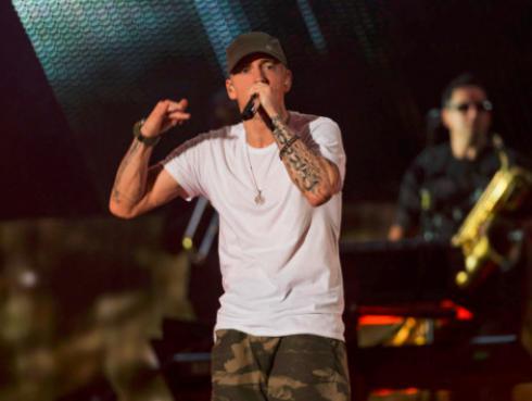 Fanáticos de Eminem podrán comprar señales de dirección que aparecieron en '8 Mile'