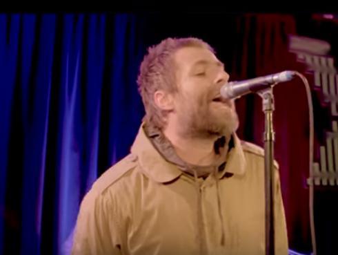 Escucha la versión acústica de 'Some might say' de Liam Gallagher