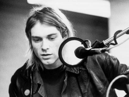 Escucha 'Smells like teen spirit' de Nirvana interpretada por 1,000 músicos [VIDEO]