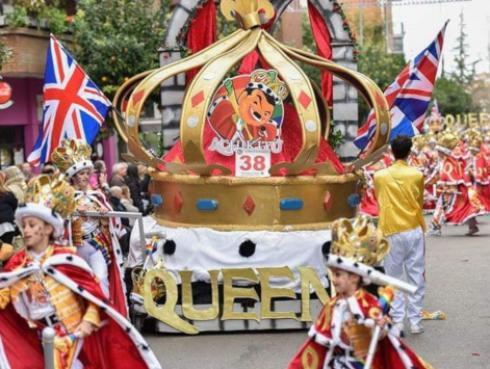 España rindió homenaje a Freddie Mercury en los carnavales