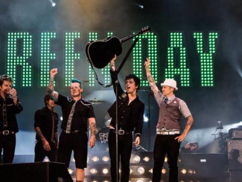 Famosa cantante colombiana se declara fanática de Green Day