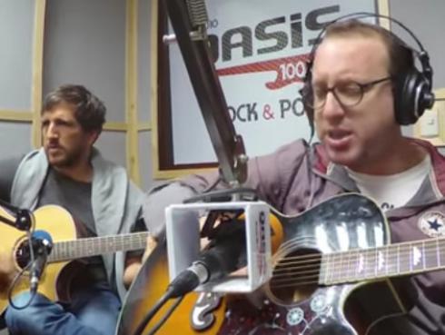 #Fogatera: El Marshall y Piccini interpretaron 'High & Dry', de Radiohead