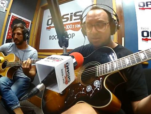 #Fogatera: El Marshal y Piccini tocaron 'Chicles, cigarrillos, caramelos' de Miki González [VIDEO]