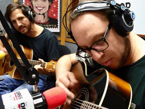 #Fogatera: El Marshall y Piccini interpretaron 'A Merced' de Gustavo Cerati [VIDEO]
