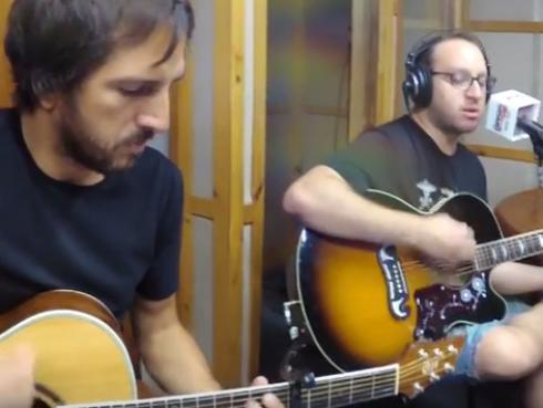 #Fogatera: El Marshall y Piccini interpretaron el tema 'Sultans of Swing' de Dire Straits