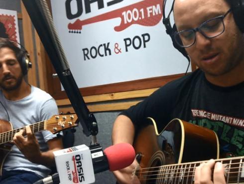 #Fogatera: El Marshall y Piccini interpretaron 'Mucho mejor' de Los Rodríguez