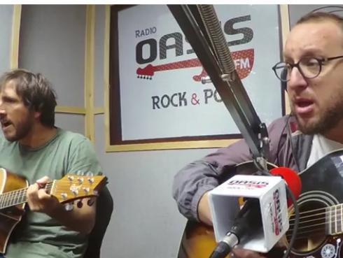 #Fogatera: El Marshall y Piccini interpretaron 'Something', de The Beatles