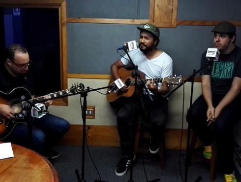 #Fogatera: El Marshall y Superlitio interpretaron 'Boys don't cry' de The Cure [VIDEO]