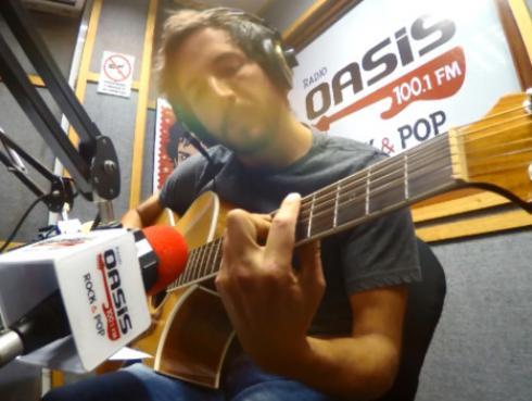 #Fogatera: Piccini interpretó cover de 'Bubucelas' de Kanaku y el tigre [VIDEO]