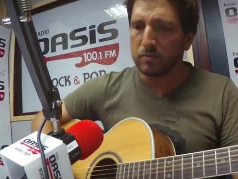 #Fogatera: Piccini interpretó 'Turn Your Lights Down Low', de Bob Marley