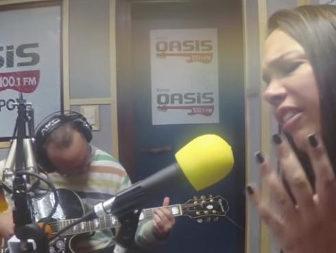 #Fogatera: Giuliana Taddei de Babel interpretó 'Zombie', de The Cranberries