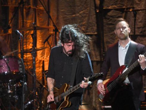 Foo Fighters tocó 'The Sky Is A Neighborhood', nueva canción de su próximo álbum