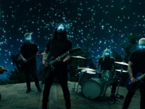 Hijas de Dave Grohl aparecen en 'The Sky Is ANeighborhood', nuevo video de Foo Fighters