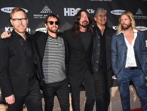 Foo Fighters celebra los 40 años de clásico de Rush con este divertido cover [VIDEO]