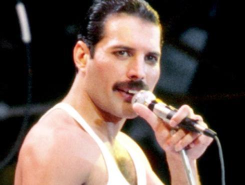 Freddie Mercury 'revive' y reaparece en cuarentena