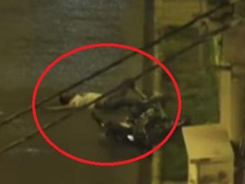 Por robar una motocicleta ladrón recibió 'piedrón' en la cabeza