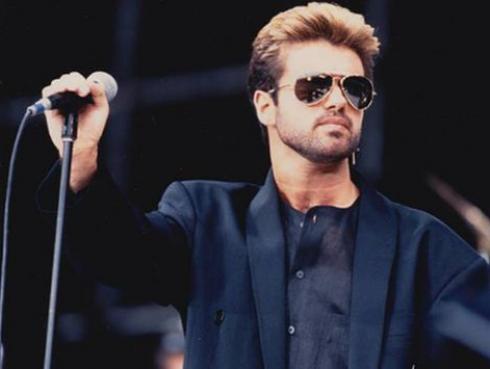 ¿George Michael dejó tres álbumes inéditos con colaboraciones de estos artistas?
