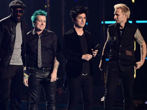 Green Day recibe premio 'Icono Global' en los MTV Europa [FOTOS]