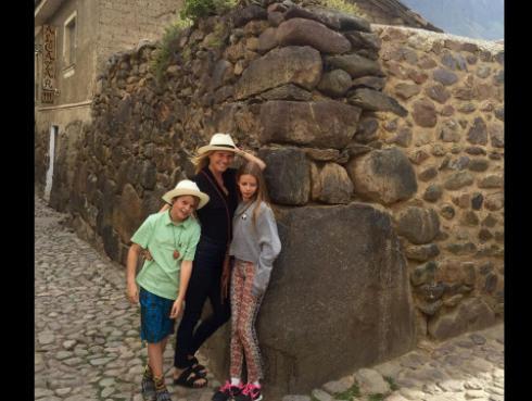 Gwyneth Paltrow se pasea con sus hijos por Machu Picchu [FOTOS]