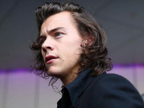 Aseguran que primer disco de Harry Styles suena