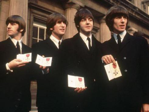 Hermanastra de John Lennon es más fan de The Rolling Stones que de The Beatles