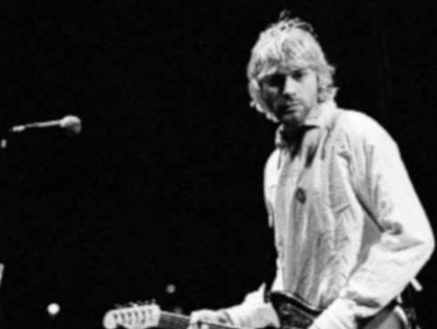 Hija de Kurt Cobain lanza línea de ropa inspirada en su padre