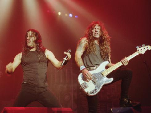 Hijos de Steve Harris telonearon concierto de Iron Maiden