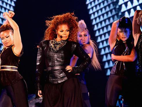 ¡Janet Jackson anunció que será madre a los 49 años con este video!