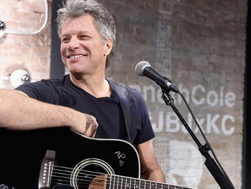 Jon Bon Jovi termina concierto por problemas de salud