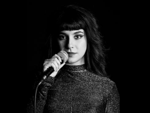 La cantautora peruana Roxie estrena nuevo videoclip